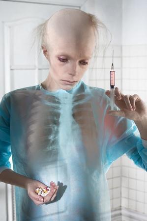 Kvinde offer for en læges Kemoterapi. Kemobehandling er ikke behandling, det er lidelse!